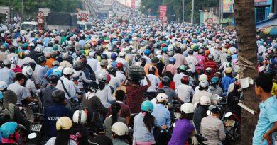 Tắc đường nghiêm trọng trên tuyến phố Hà Nội