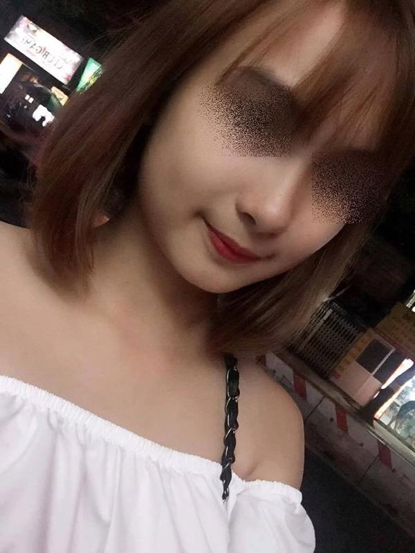 Cô gái bị đánh ghen tên Huyền làm nghề bán hàng online tại Hà Nội