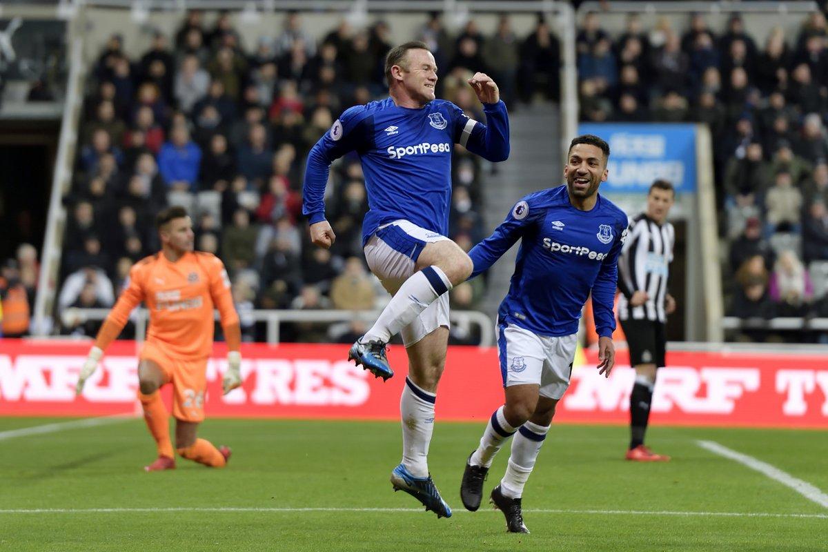 Rooney tiep tuc ghi ban