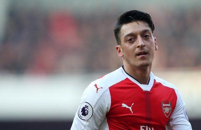 Ozil sẽ rời Arsenal