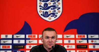 Rooney trở lại đội tuyển Anh