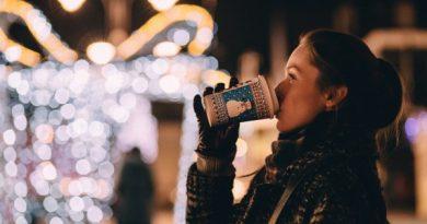 Giáng sinh xa người yêu các cô gái nên làm gì?