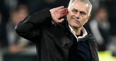 Mourinho phủ nhận việc chiêu mộ Paul Pogba