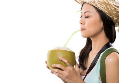 Những tác dụng của nước dừa đối với sức khỏe và làm đẹp
