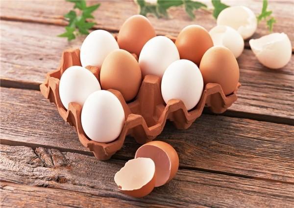 Cách trị mụn đầu đen ở mũi bằng trứng gà