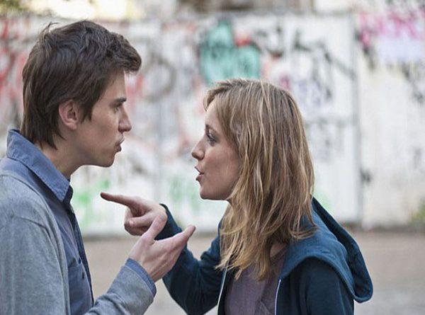 Mơ thấy đánh nhau với người thân là dự báo gì?