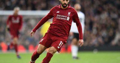 Carragher cho rằng Salah đang thể hiện sự ích kỷ