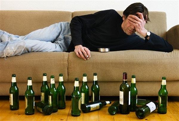 Tác hại của rượu bia đối với sức khỏe con người