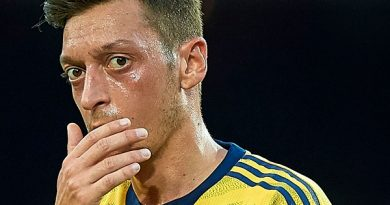 Tin bóng đá 13/8: HLV Arsenal bỏ ngỏ khả năng ra sân của Ozil