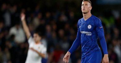 NHM Chelsea thất vọng tột cùng với Barkley sau khi sút hỏng penalty