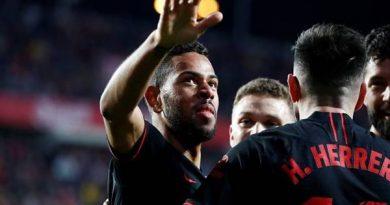 """""""Yếu điểm"""" khiến Atletico sẩy chân"""