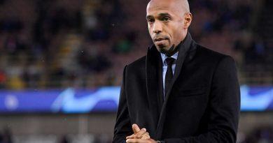 Henry có thể dẫn dắt Barca thay thế Valverde