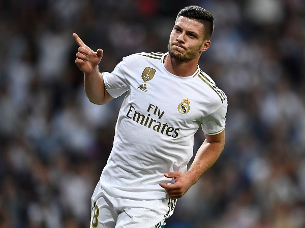 Tin bóng đá 24/3: Cha của tiền đạo Real Madrid chấp nhận để con ngồi tù