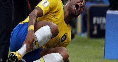 Neymar ăn vạ