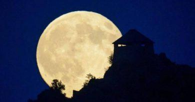 Mơ thấy mặt trăng đánh số nào may mắn?