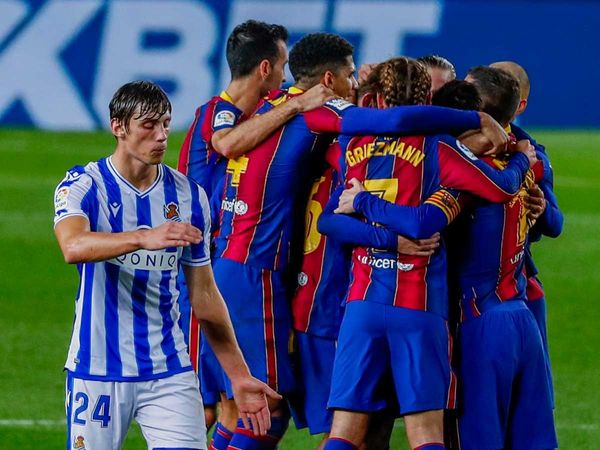 Tin thể thao sáng 17/12: Barca lần đầu thắng ngược thời Koeman