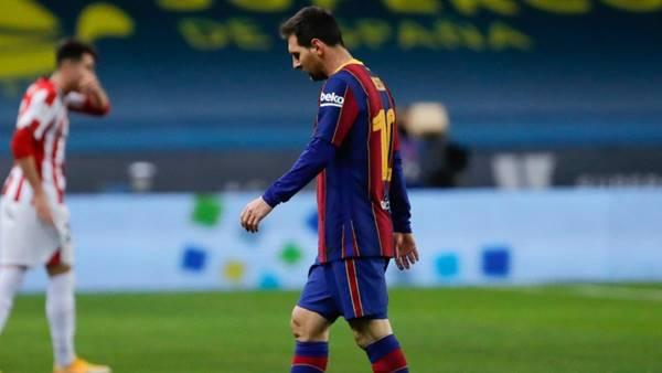 Messi bị cấm 2 trận sau hành vi phi thể thao