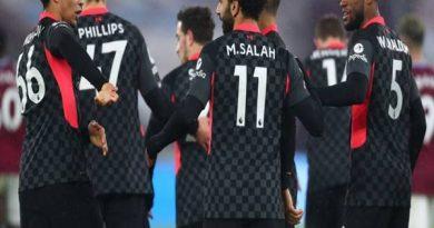 Bóng đá Anh ngày 1/2: Liverpool phả hơi nóng vào cuộc đua vô địch